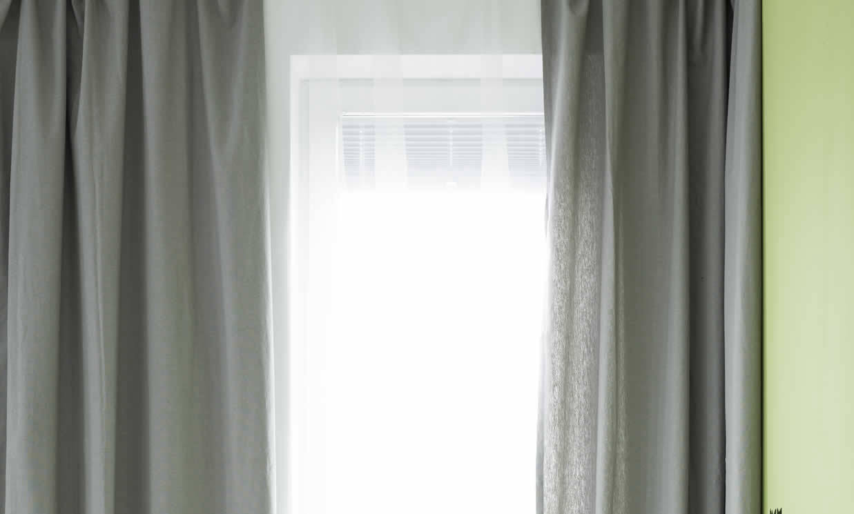 gamez-custom-made-curtains-7-1237x745